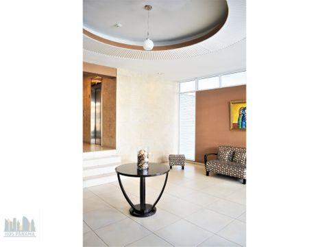 un apartamento acogedor con gran potencial en bella vista