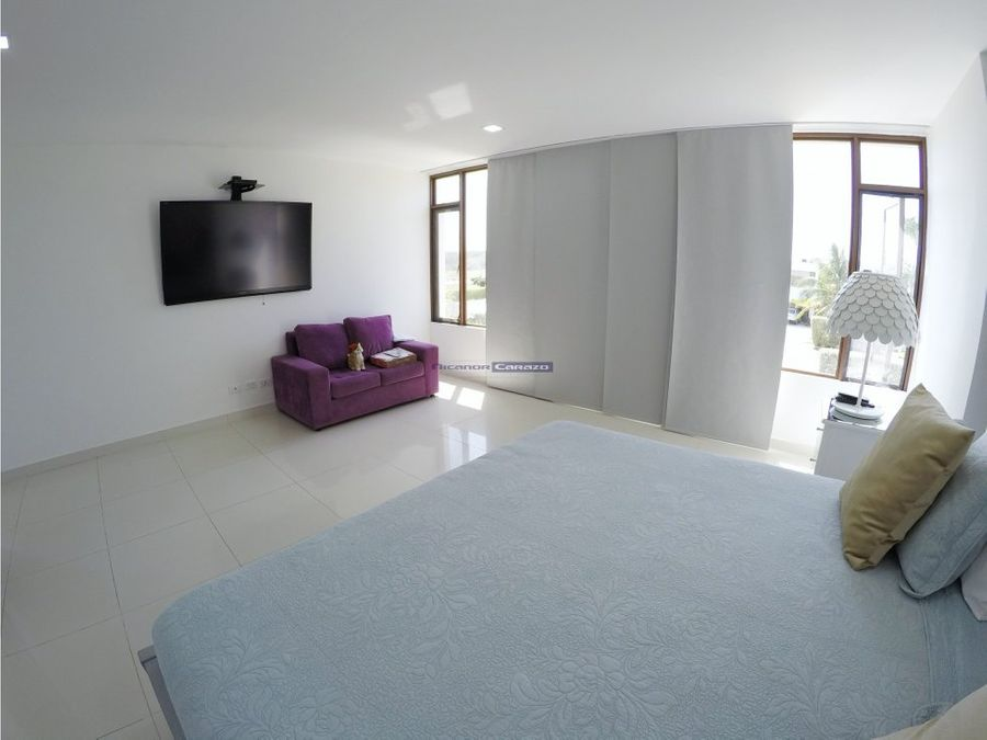 vendemos casa de 2 niveles en barcelona cartagena