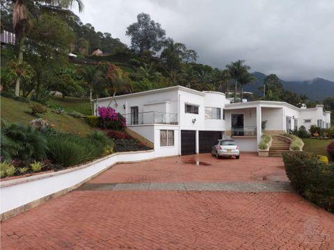 venta casa en el poblado
