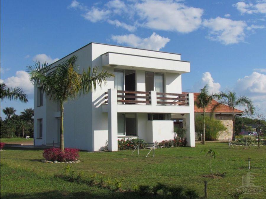 vendo hermosa casa campestre en villavicencio