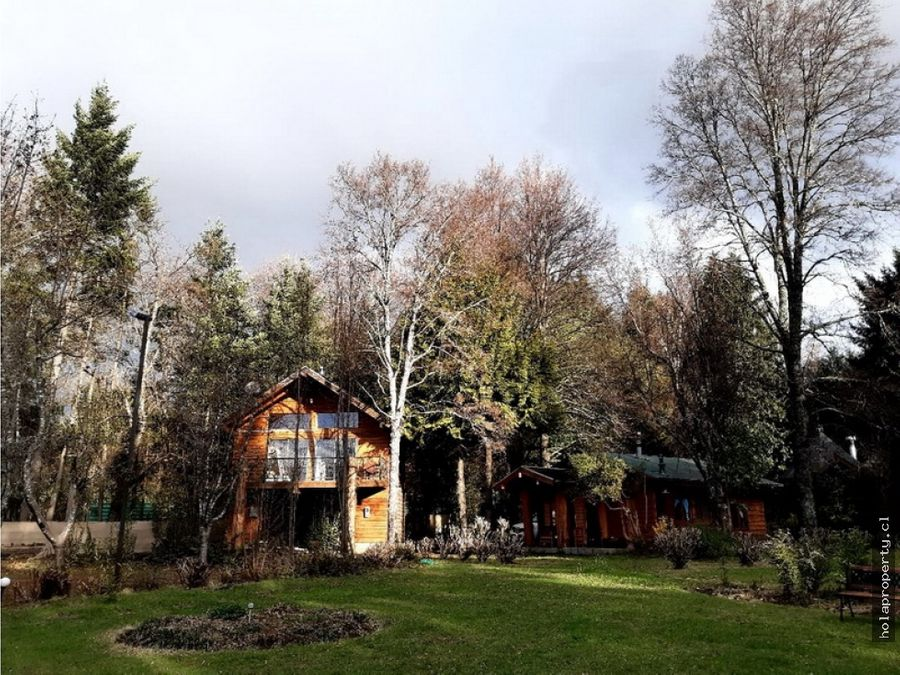 casa en dos altura vista al lago