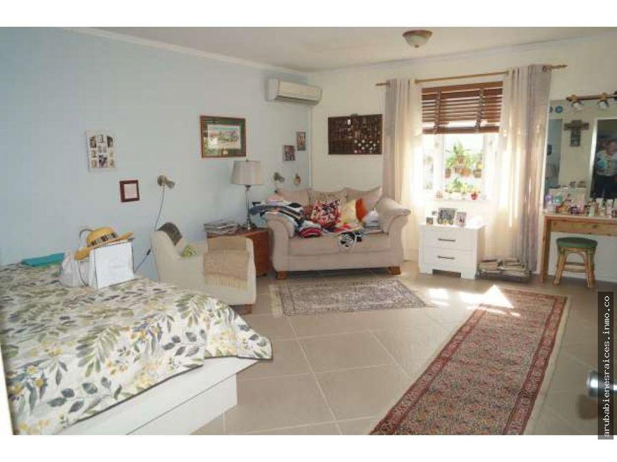 se vende excelente vivienda con apartamento independiente