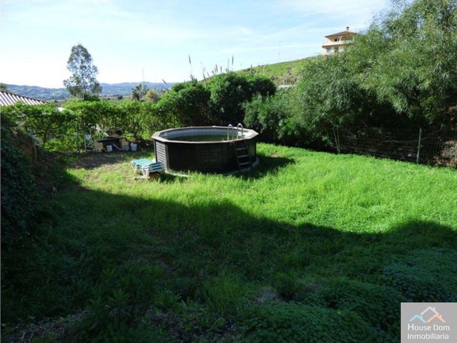 villa de 300m2 con jardin en plena naturaleza