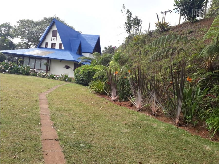 se vende casa campestre en dapa terreno 8742 m2