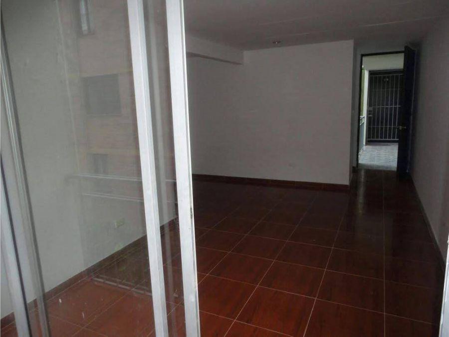 se vende apartamento el refugio
