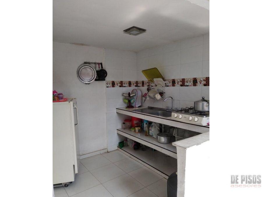 casa bifamiliar barrio manuela beltran