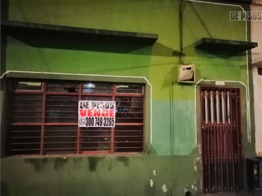 casa lote barrio belalcazar para reformar