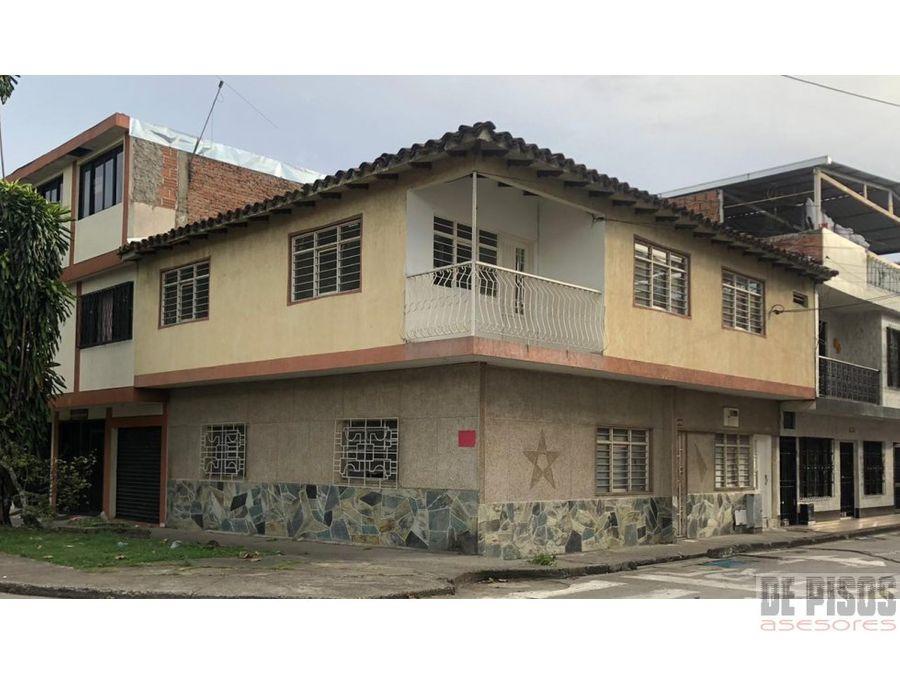 casa esquinera barrio salomia