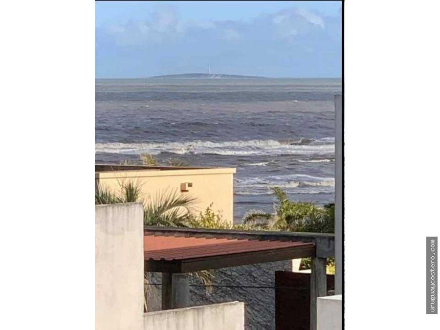 muy bien ubicada a metros de playa en la barra