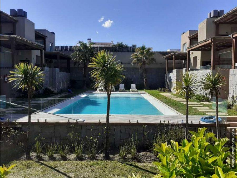 muy lindo apartamento en complejo con piscina
