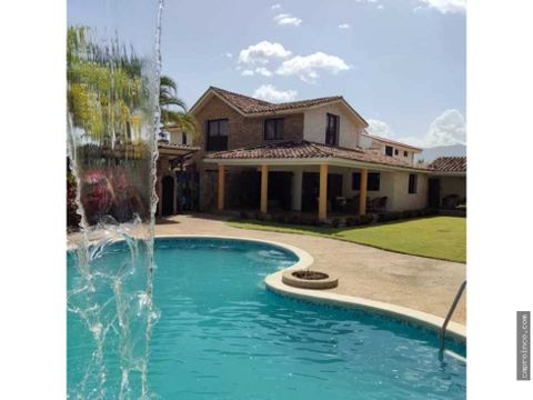 mansion en guataparo