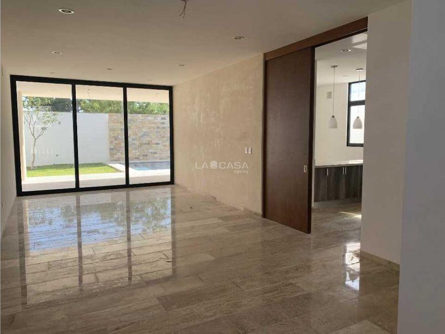 moderna casa en privada silvano