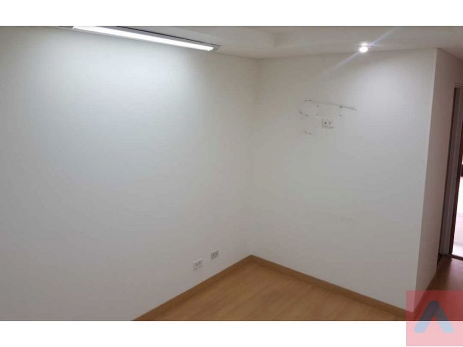 ventarenta oficina30 m2 santa barbara exterior