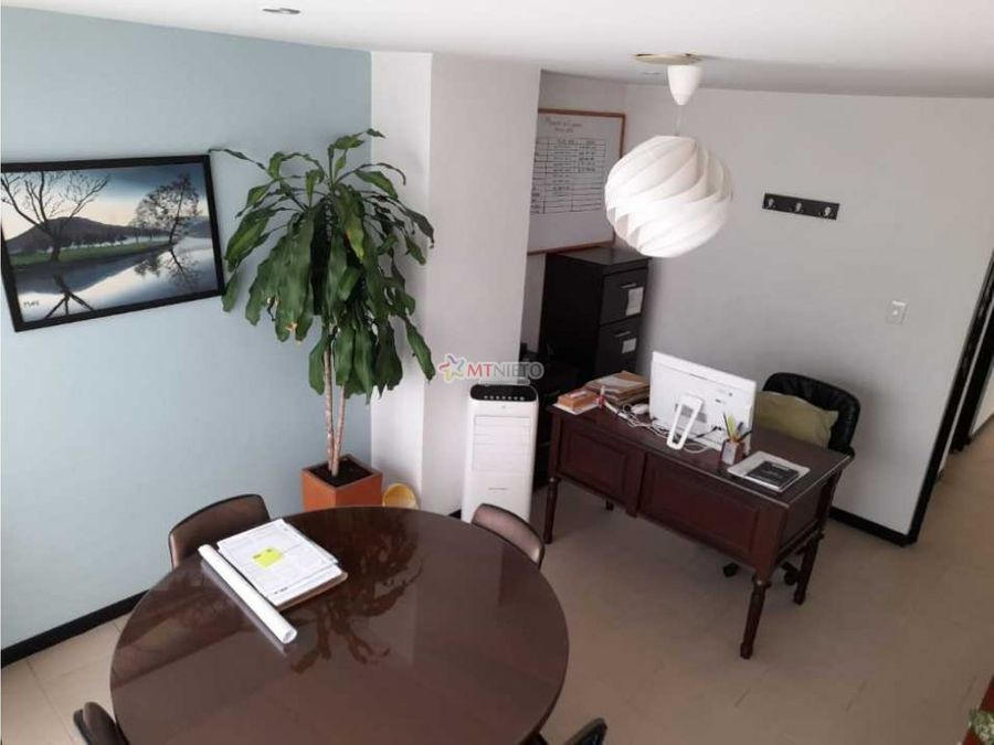 oficina de 193 m2 avenida bolivar fundadores