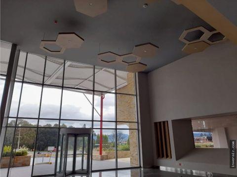 oficina de 500 metros en centro empresarial aaa