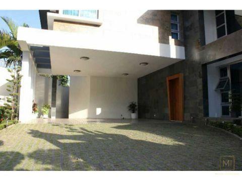 atencion embajadas espectacular casa en alquiler