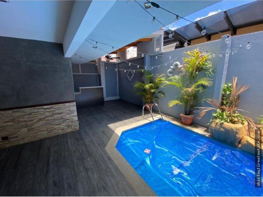 alquilo vendo casa en condominio con piscina privada heredia