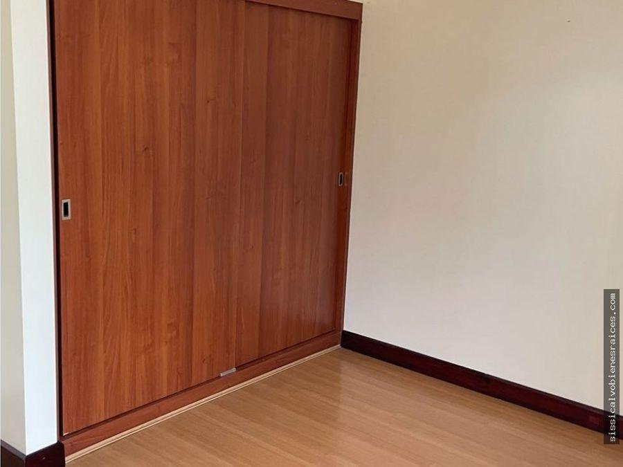 alquilo casa en condominio familiar pinares