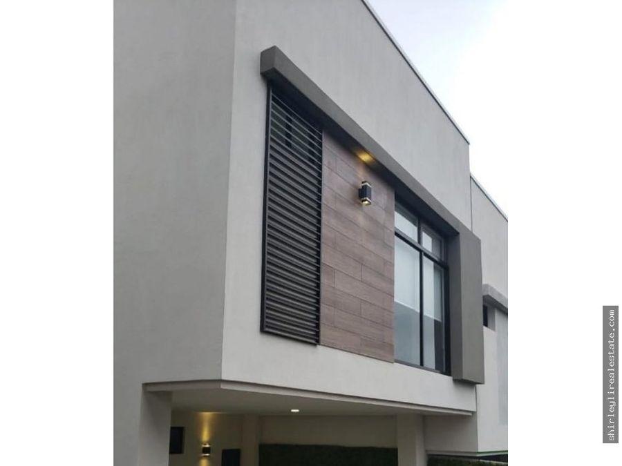 alquilo casa en condominio para estrenar en moravia