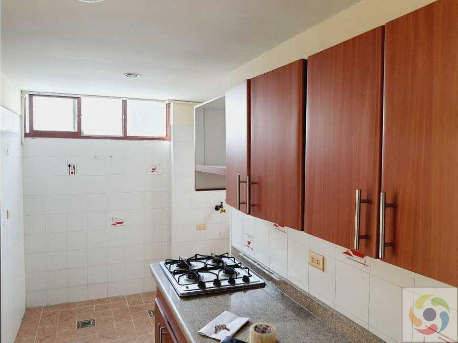 alquilo apartamento 10 norte 90 m2