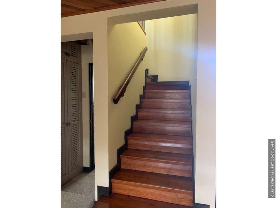 curridabat bonita casa en condominio excelente precio