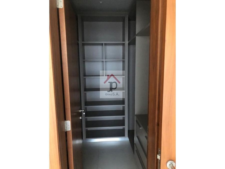 alquilo apartamento en marbella 47