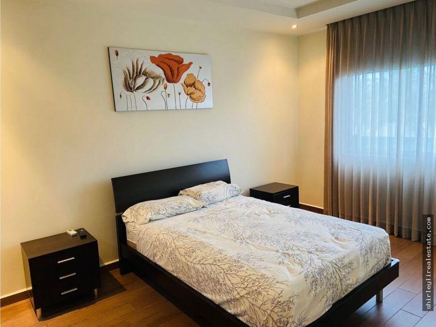 inversionistas vendo apartamento amueblado y alquilado river park