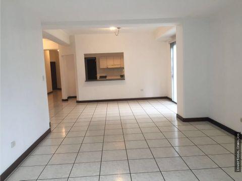 alquilo amplio apartamento zona 15 vh 1