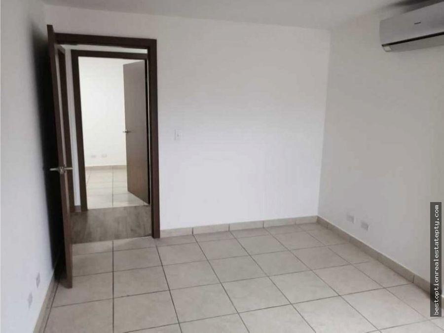 alquilo apartamento en victoria hill hato pintado 3r