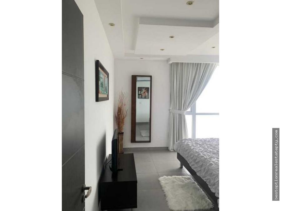 alquilo lujoso apartamento en ph element av balboa