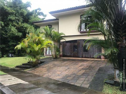 alquiler o venta de casa en residencial santa lucia tres rios