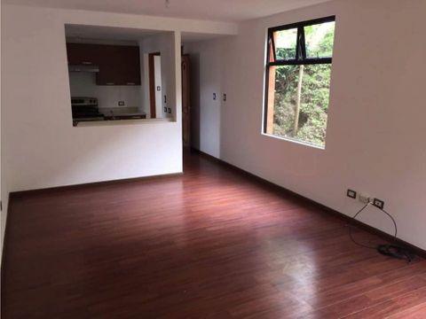 alquiler apartamento con jardin