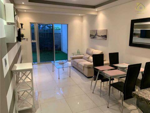 alquiler apto full amoblado con patio 1 piso 750