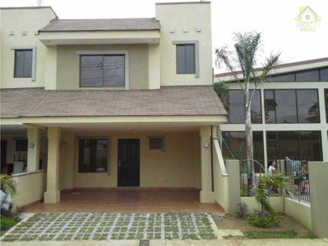alquiler casa condominio san pablo 950
