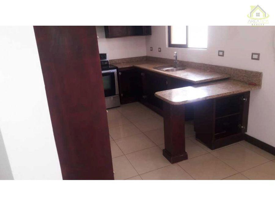 alquiler casa en condominio barreal heredia 1100