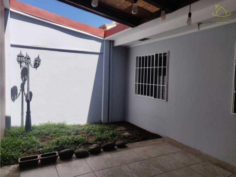 alquiler casa en belen san antonio residencial