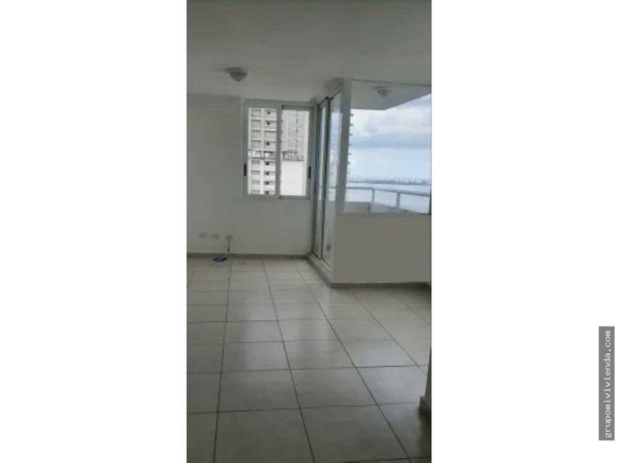 alquiler de comodo apartamento en avenida balboa