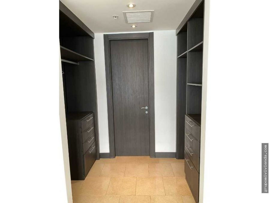 alquiler de hermoso apartamento en jw marriott antiguo trump