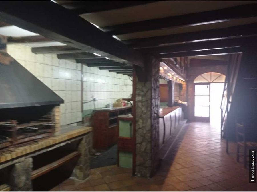 alquiler de local comercial en calle peatonal en centro de rubi