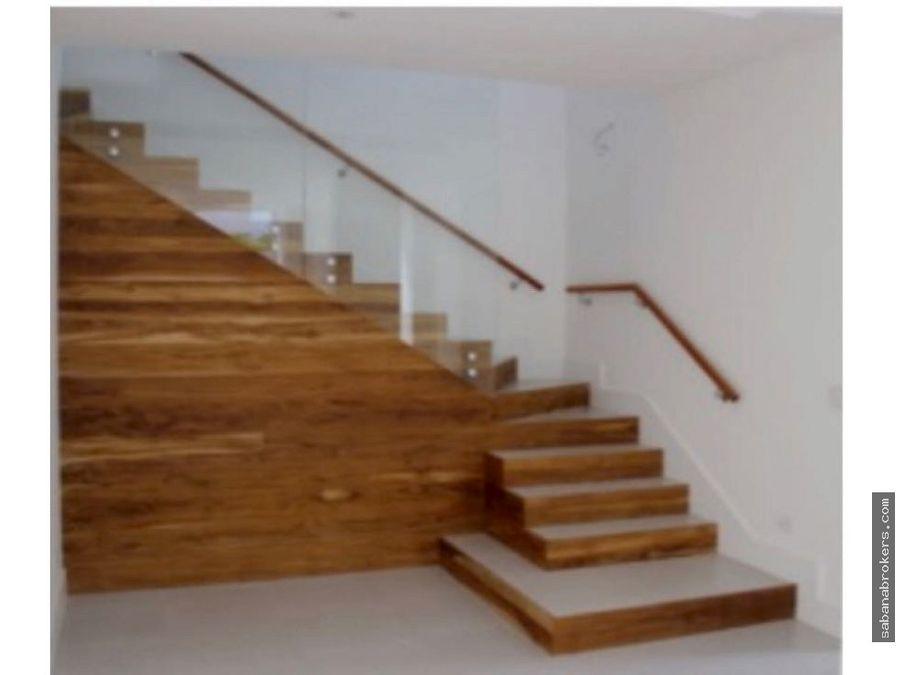 amplia casa con excelentes acabados en santa ana