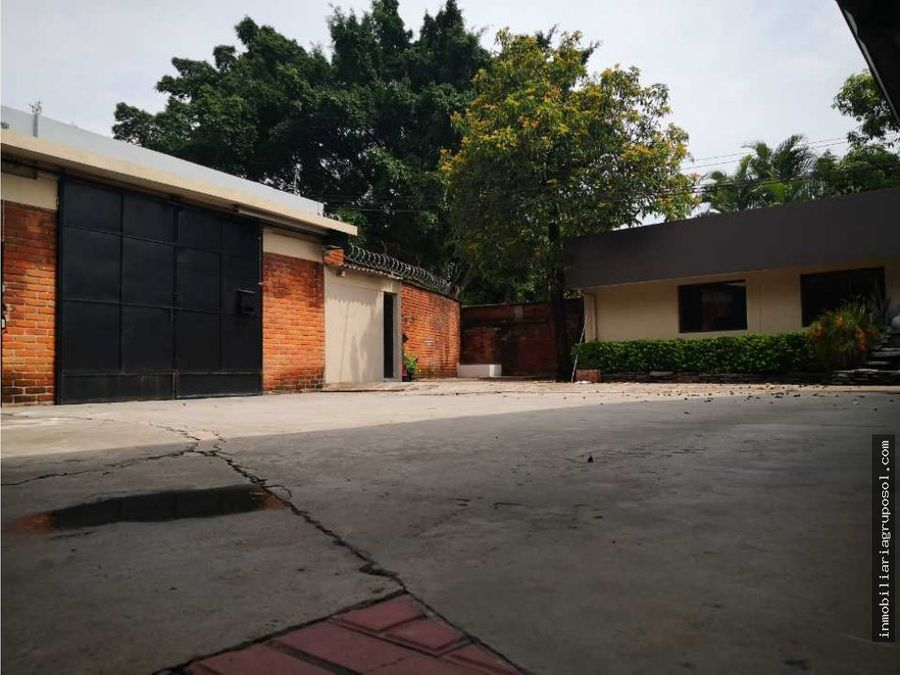 amplia casa en alquiler para oficinas