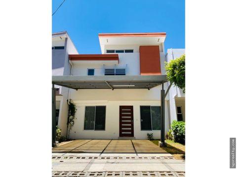 amplia casa en condominio