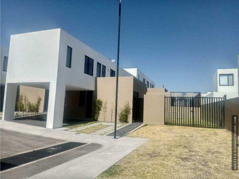 amplia casa en venta inspira zibata 3800000