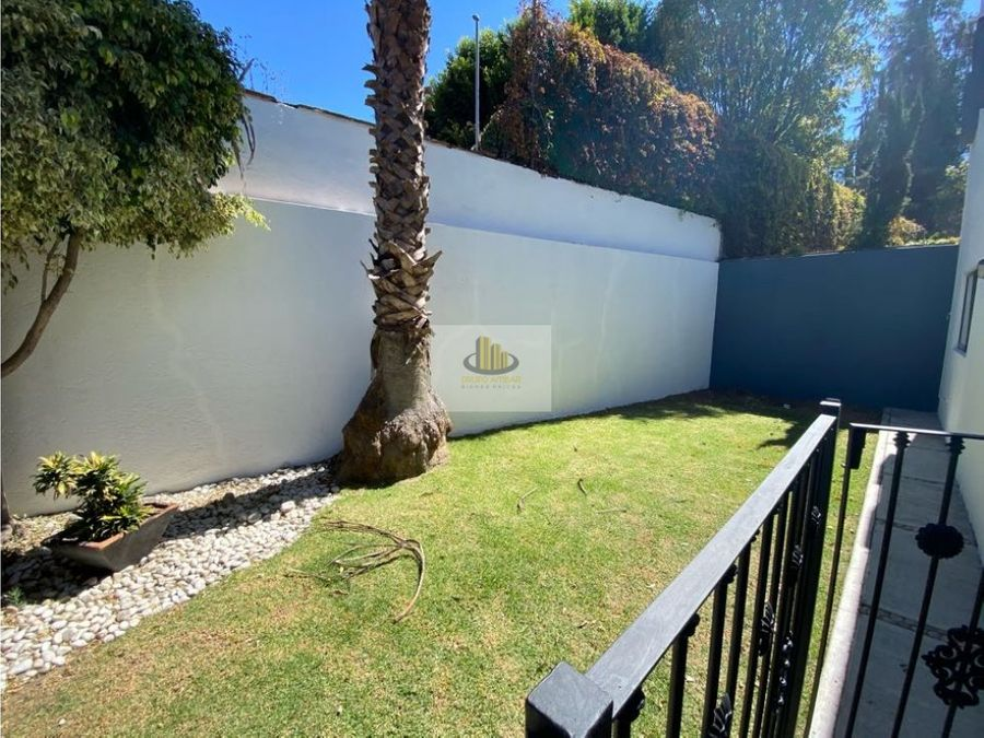 amplia casa en renta jardines de zavaleta 3 recamaras con bano cu