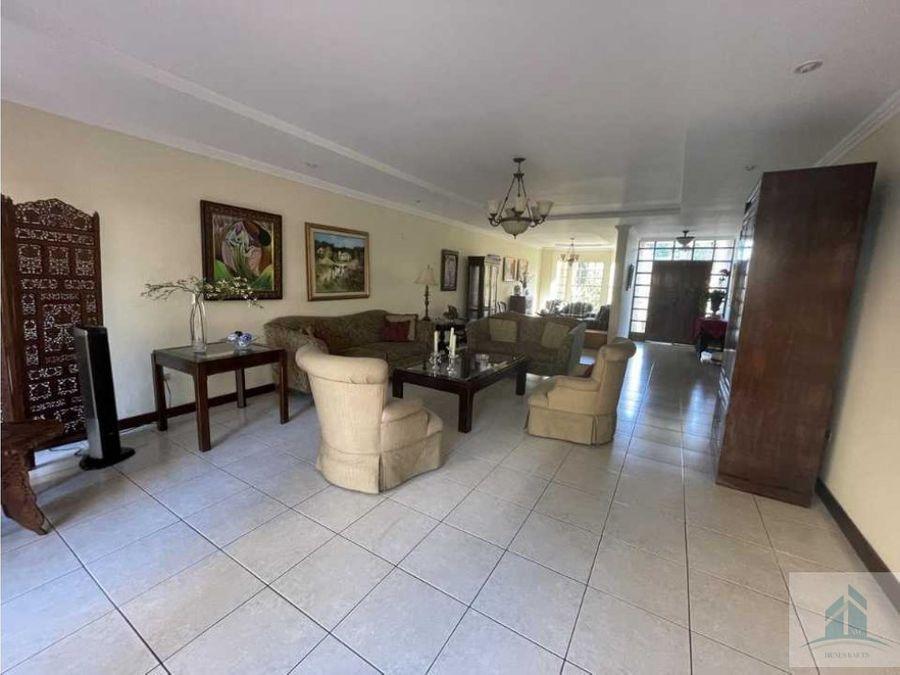 amplia casa en venta colonia tres caminos
