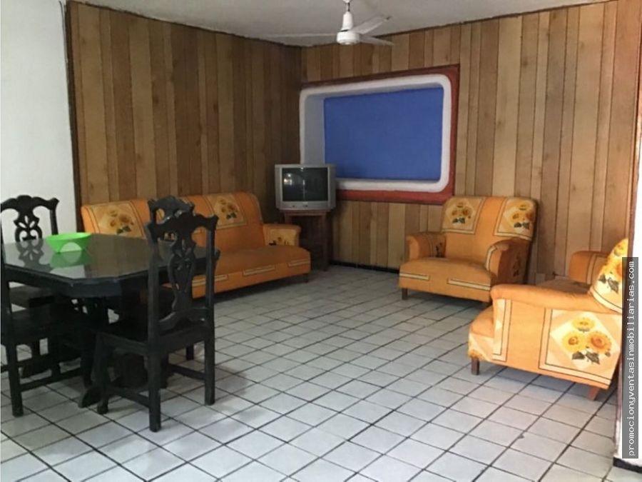 amplia casa hecha 4 departamentos de 2 recamaras cu en manzanillo col