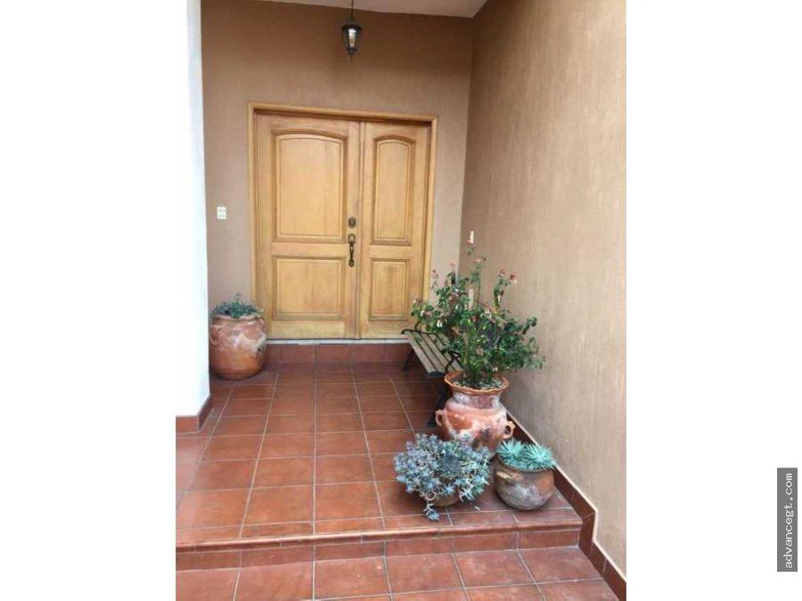 amplia casa jardines de san isidro zona 16