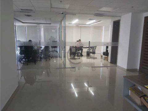 amplia oficina en la mejor ubicacion