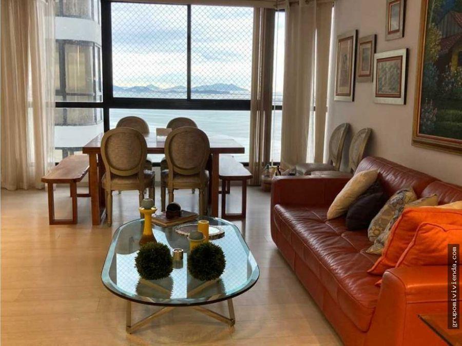 amplio y comodo apartamento vista al mar en avenida balboa