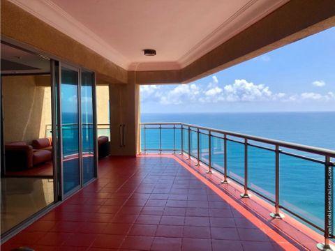 amplio apartamento con vista al mar caribe